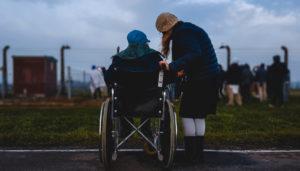 Alapösszegű ápolási díj: mit jelent, kaphatod-e, hogyan igényeld?