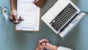 Emelt összegű ápolási díj: mikor vagy rá jogosult, hogyan igényeld?
